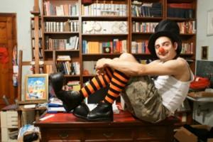 io-clown-in-studio